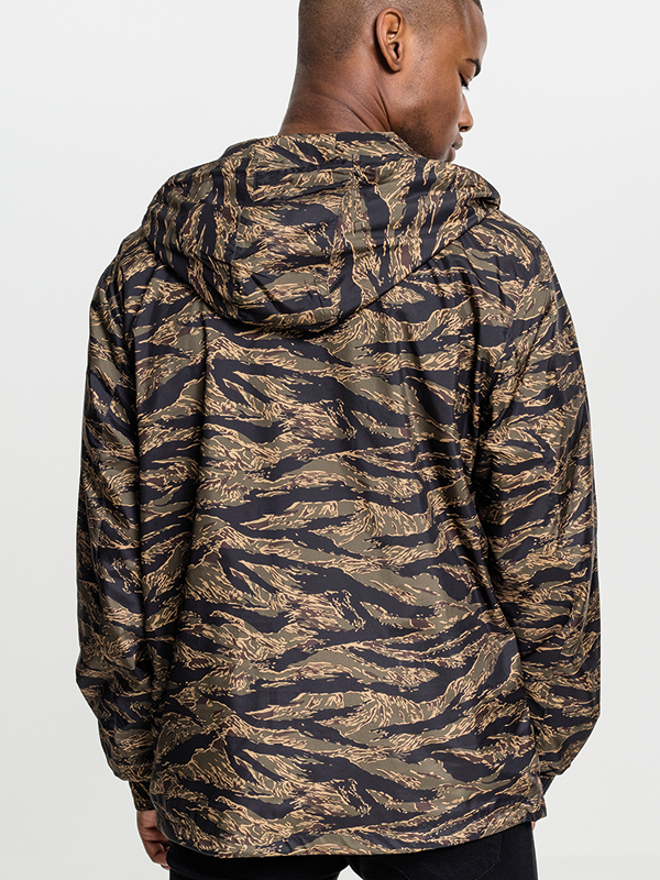 Urban ///  Tiger Camo Pull Over